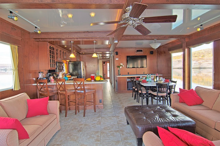 in the living room 75 ft platinum houseboat american houseboat rentals 12530