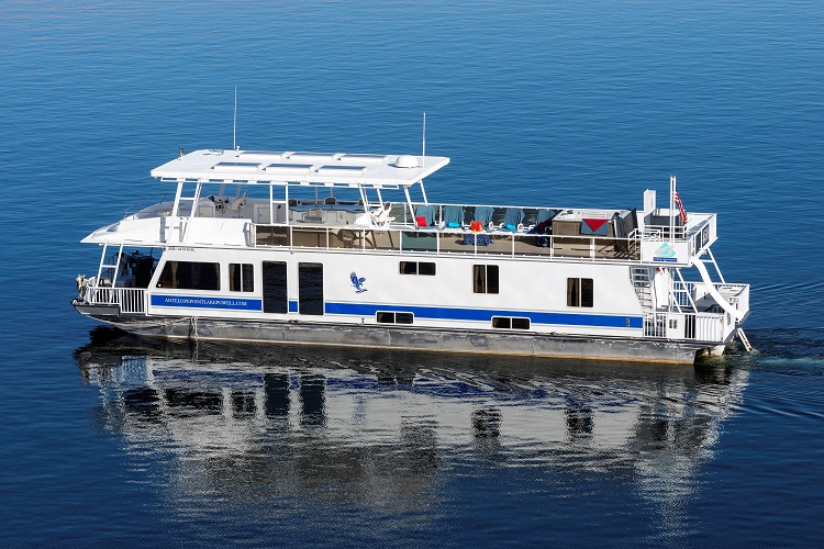 75-ft Platinum Houseboat