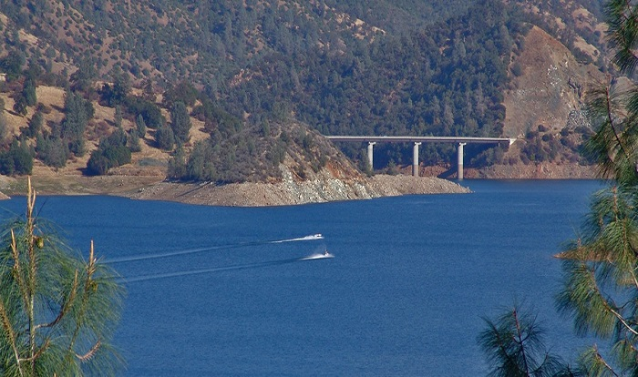 Lake Don Pedro Houseboat Rentals